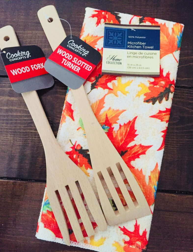 Dollar Tree Wooden Utensils and hand towel for Thanksgiving Craft