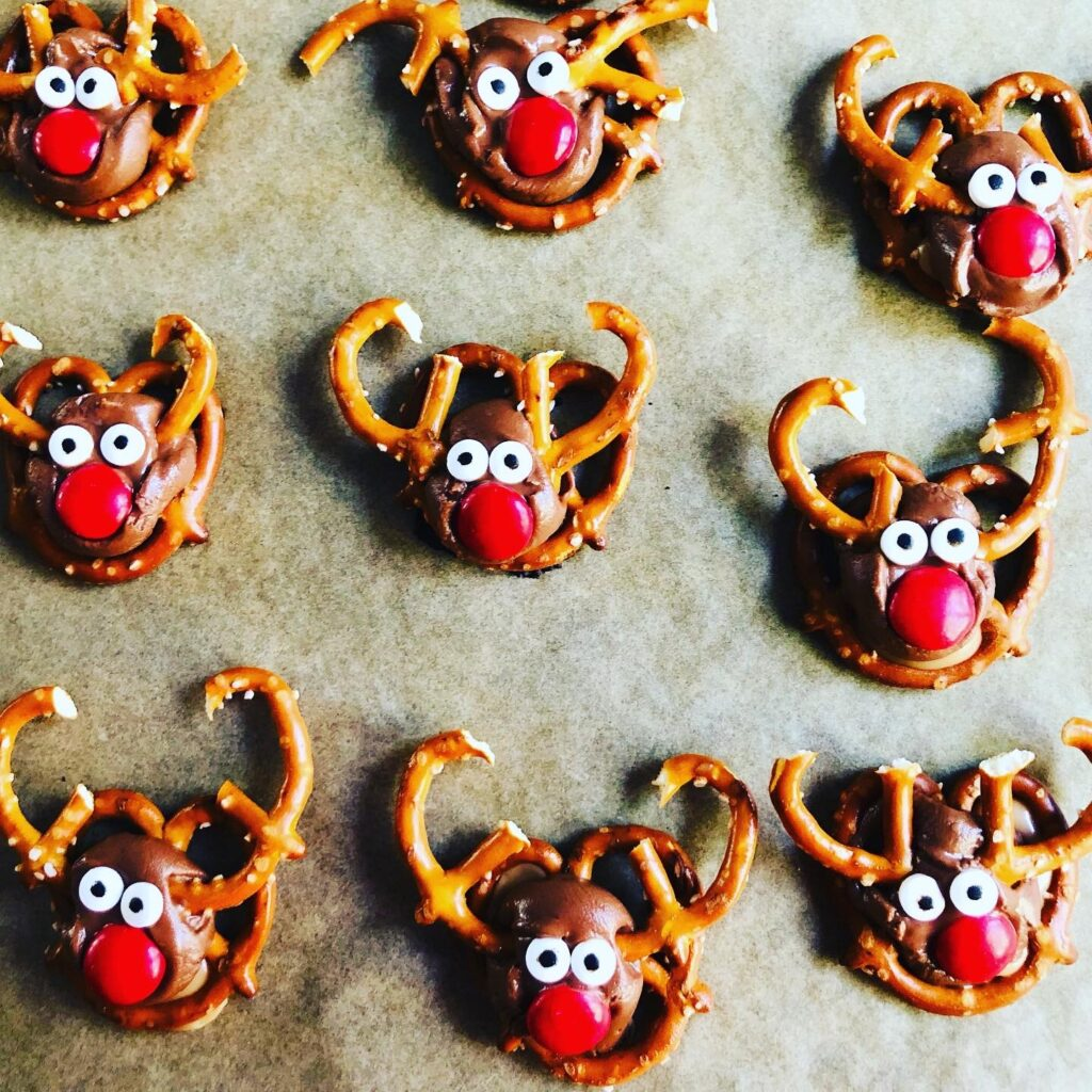 Reindeer Pretzel Treats